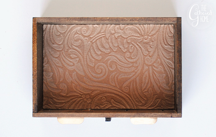line drawer with felt