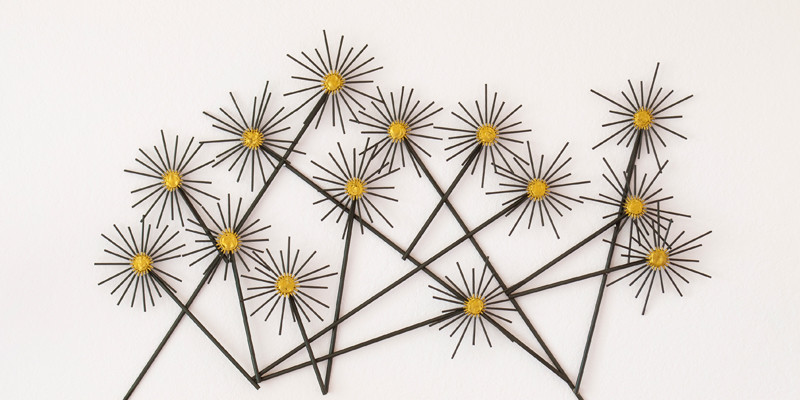 "DIY ""Metal"" Flower Wall Hanging"