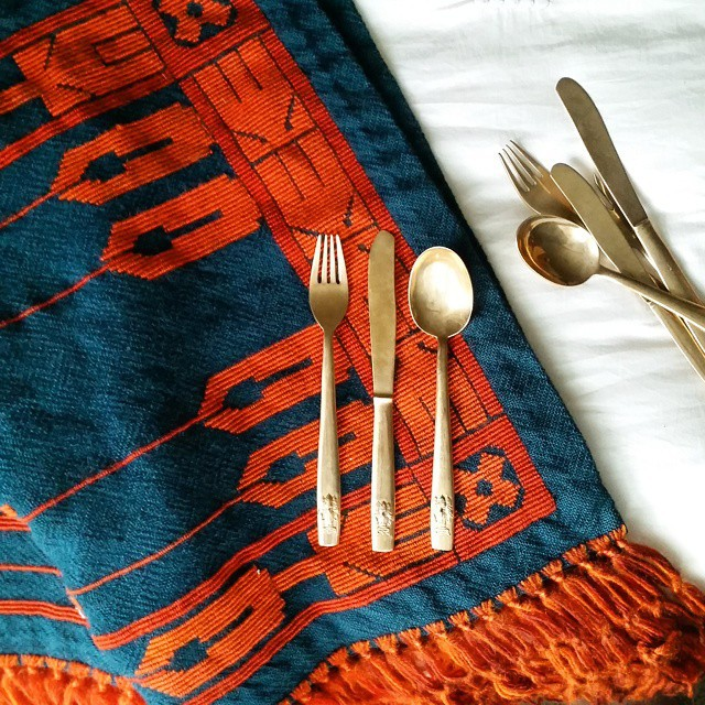Thrift Score Thursday feature gold flatware and blanket via oscarbravohome