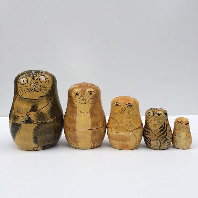 Thrift Score Thursday feature cat nesting dolls via bumblebreeblog
