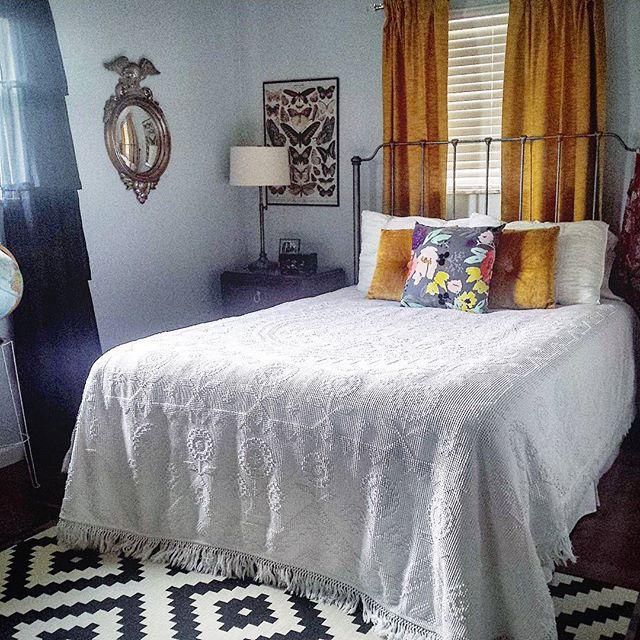 Thrift Score Thursday feature vintage hobnail bedspread via louloumint_etsy