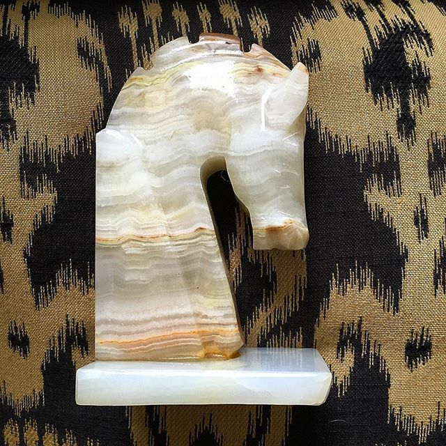 Thrift Score Thursday feature marble horse head via mariaski63
