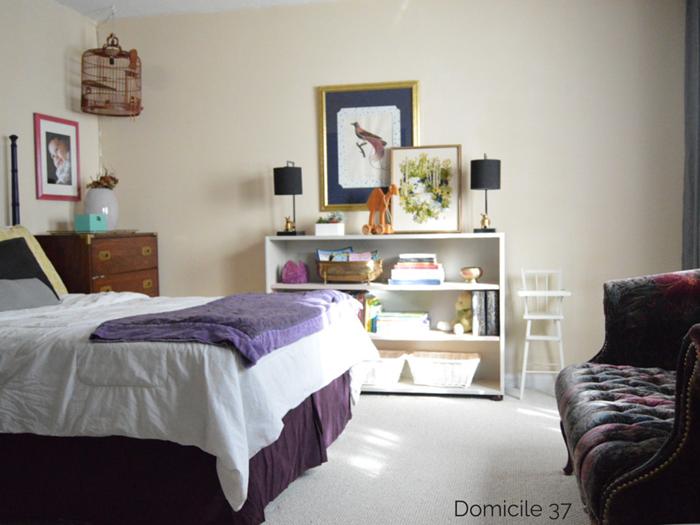 vintage artwork in girls bedroom via domicile 37