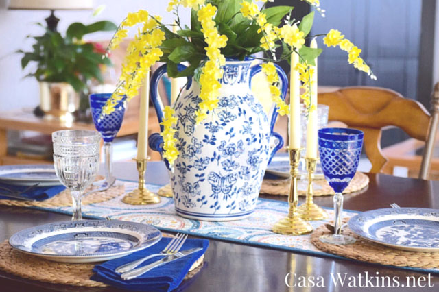 Blue willow china table setting via Casa Watkins