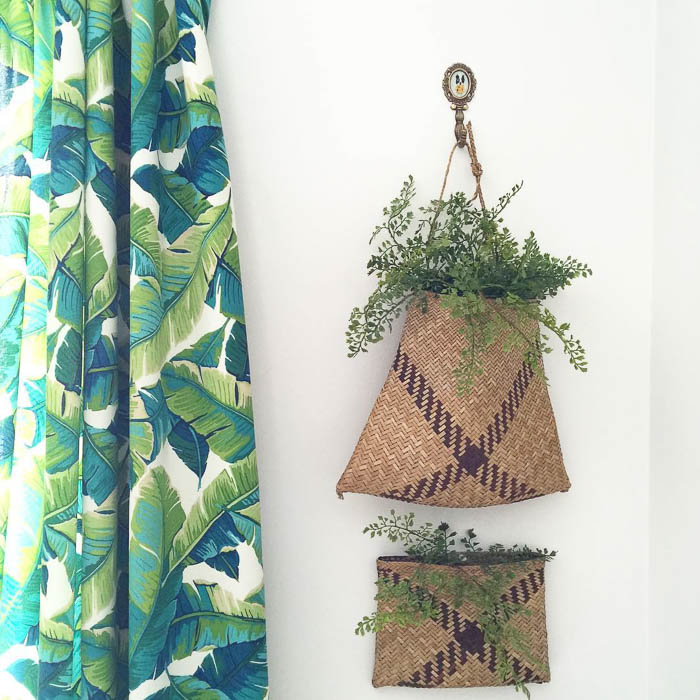 Thrift Score Thursday basket wall hangings via athomeonthebay