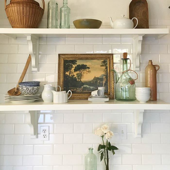 Thrift Score Thursday feature vintage shelfie via honeynhydrangea