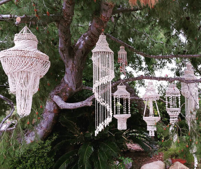 Thrift Score Thursday feature macrame hanger colelction via vintageparlororiginals