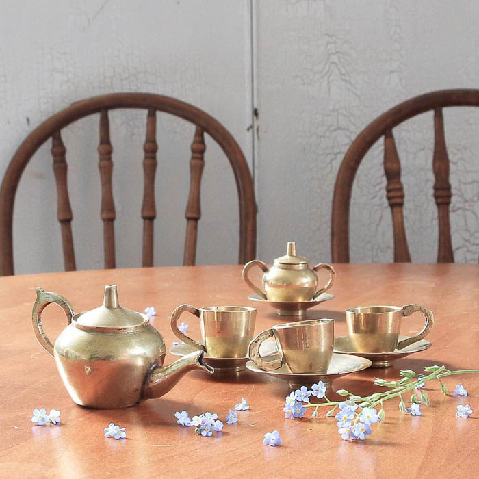 Thrift Score Thursday feature vintage brass tea set via greensprucedesigns