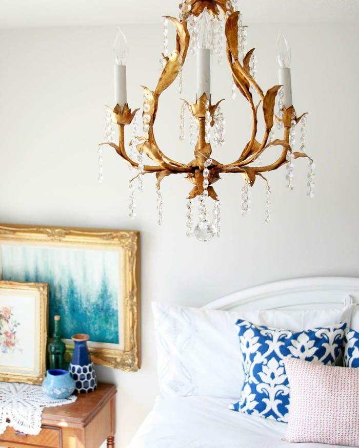 Thrift Score Thursday feature vintage chandelier via twinspiration_home