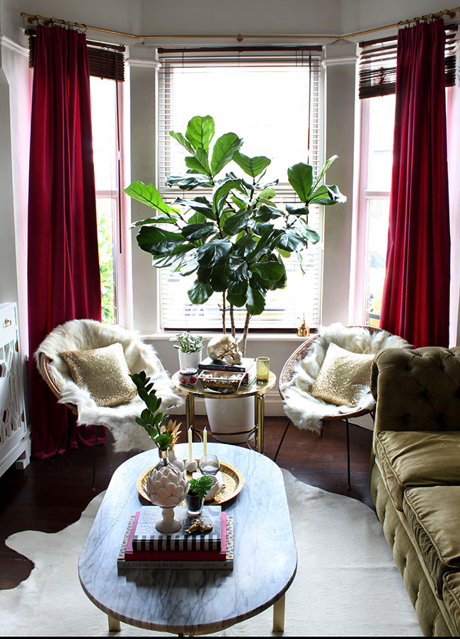 Vintage rattan hoop chairs in the living room via Swoon Worthy