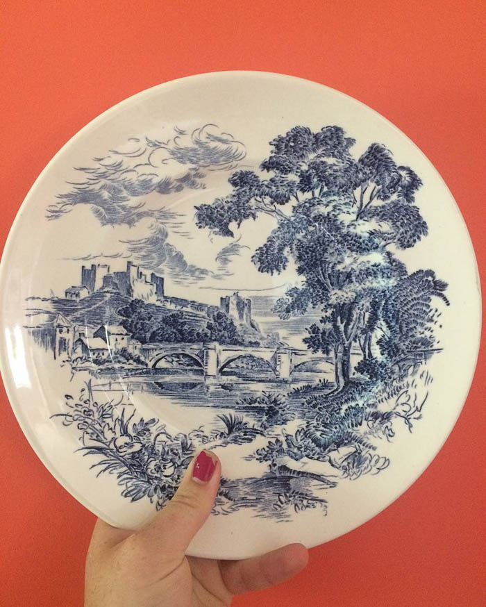 Thrift Score Thursday Wedgewood countryside pattern set via pmqfortwo