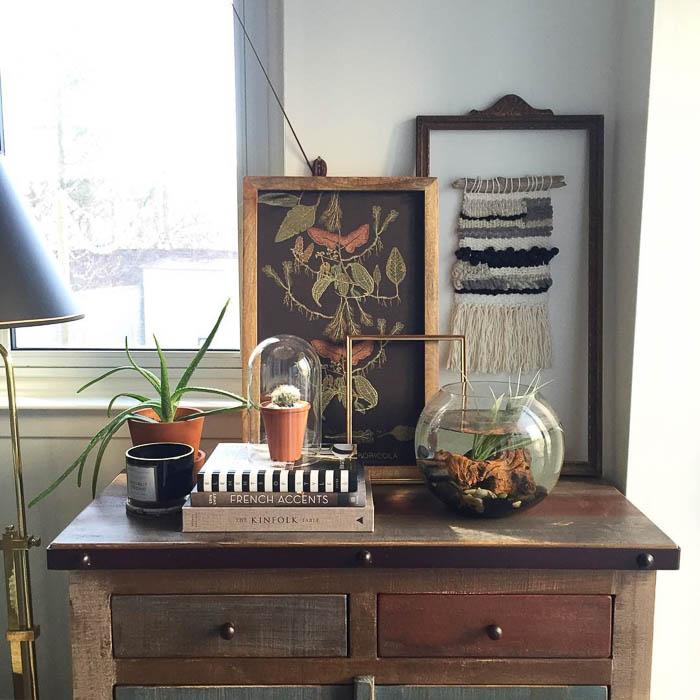 Thrift Score Thursday feature vintage shelfie via thelearnerobserver