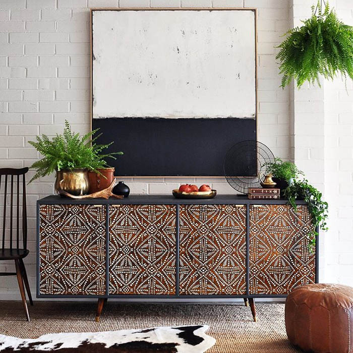 Thrift Score Thursday sideboard transformation via thepaintedhive