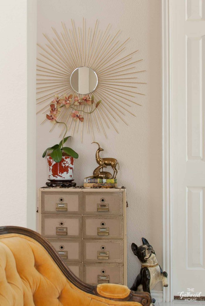 thrift-score-thursday-entryway-vintage-postal-box-vignette