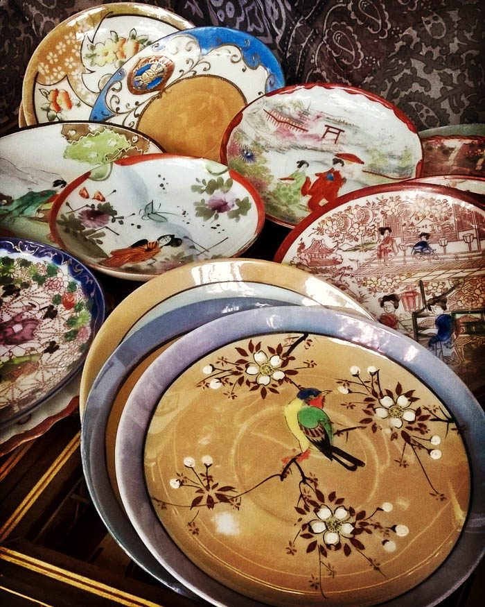 thrift-score-thursday-feature-vintage-chinoiserie-saucers-via-thericharmedlife
