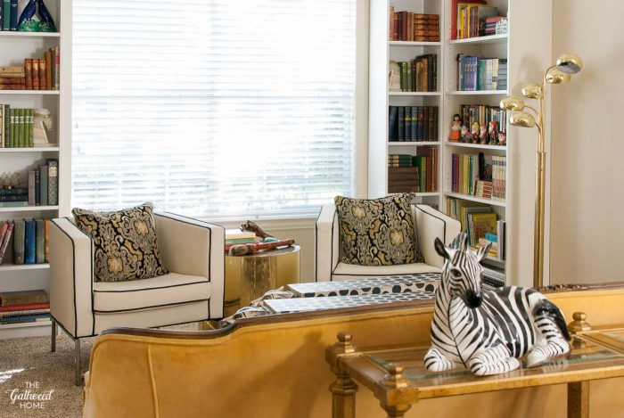 library-nook-with-yellow-velvet-sofa-3