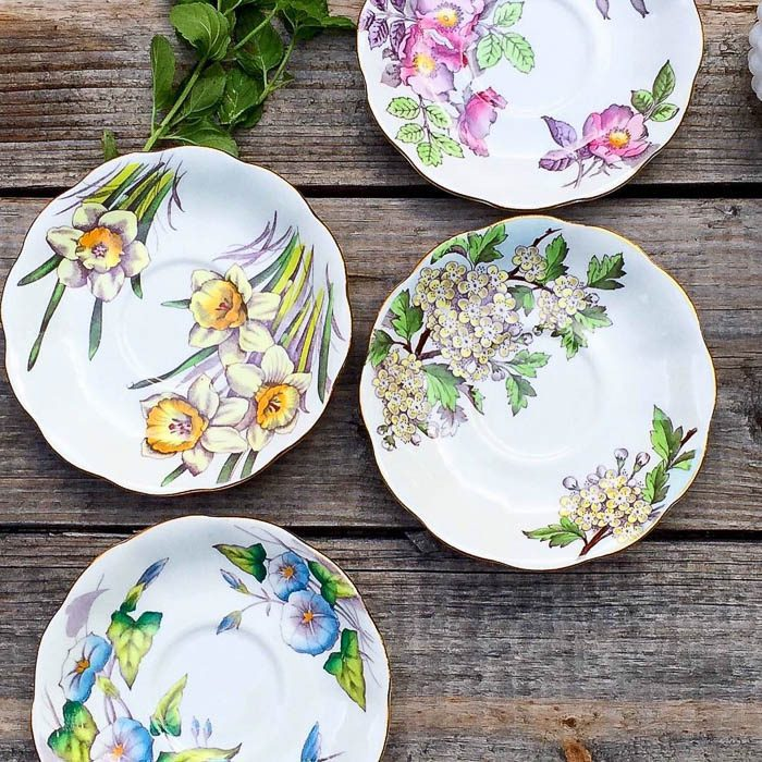 thrift-score-thursday-feature-floral-plates-via-mydomicilestyle