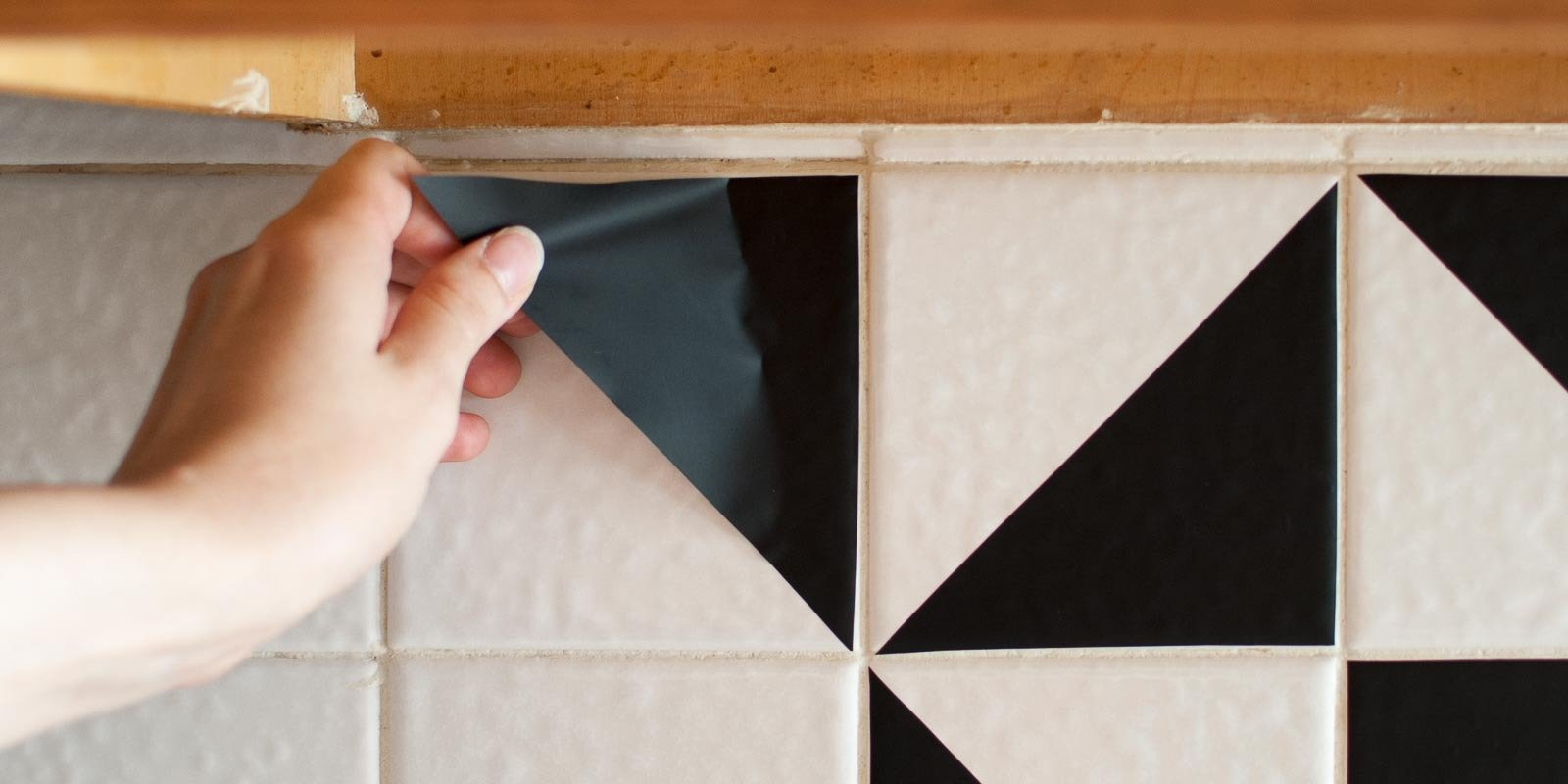 Diy Black And White Vinyl Backsplash The Gathered Home