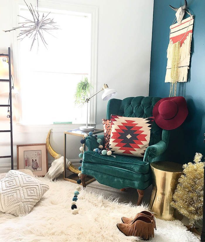 thrift-score-thursday-feature-green-velvet-chair-reading-corner-via-blissfully_eclectic-2