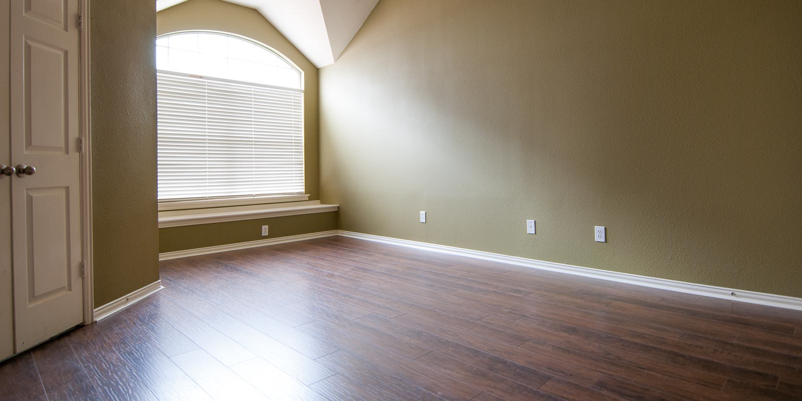Master bedroom update ladies and gents we have a floor - How to choose carpet for bedrooms ...