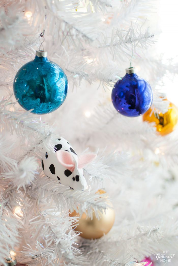 """DIY """"dalmatian mouse"""" Christmas tree ornament inspired by Wes Anderson's The Royal Tenenbaums"""